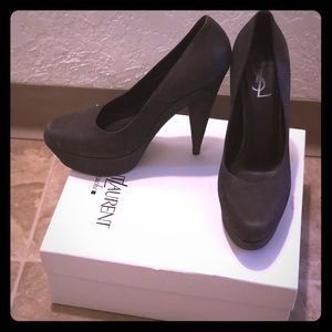 Beautiful YSL heels with dustbag and box